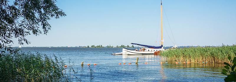 Met de boot door Zuidoost-Friesland varen